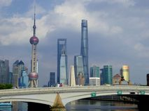 Costruzione moderna alta a Shanghai Fotografia Stock Libera da Diritti