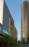Costruzione moderna di affari a Vilnius, Lituania Edificio per uffici moderno fuori immagine stock