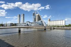 Costruzione moderna in Puerto Madero, Buenos Aires fotografie stock libere da diritti