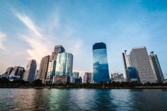 Costruzione nel centro di Bangkok fotografia stock libera da diritti