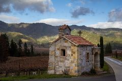 Costruzione nel paese di vino fotografia stock
