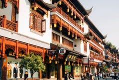 Costruzione nello stile cinese antico nella vecchia città di Shanghai immagini stock libere da diritti