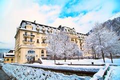 Costruzione piacevole nella città di Chamonix-Mont-Blanc in alpi francesi, Francia Fotografie Stock Libere da Diritti