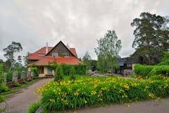 Costruzione principale della proprietà terriera di Hvittrask, Kirkkonummi, Finlandia fotografia stock