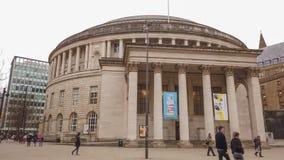 Costruzione rotonda della biblioteca centrale di Manchester - MANCHESTER, INGHILTERRA - 1° GENNAIO 2019 fotografia stock