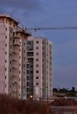 In costruzione sotto il cielo notturno Fotografie Stock