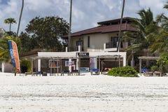 Costruzione sulla spiaggia di Zanzibar Immagini Stock