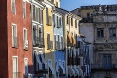 Costruzione tipica delle case nella vecchia città della città di Cuenca Fotografie Stock