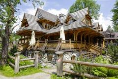 Costruzione tradizionale del ristorante regionale, Zakopane Immagini Stock Libere da Diritti