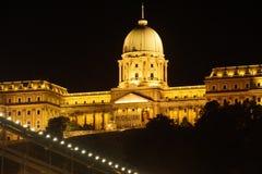 Costruzione ungherese del Parlamento alla notte Fotografie Stock
