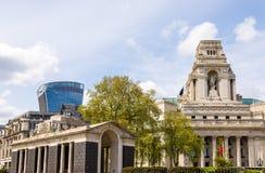 Costruzioni alla collina della torre a Londra Immagine Stock Libera da Diritti