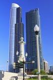 Costruzioni alte del condominio in Chicago Immagine Stock Libera da Diritti