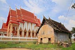 Costruzioni antiche e nuove del monastero Fotografie Stock