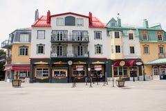 Costruzioni Colourful di Mont Tremblant 3 fotografia stock libera da diritti