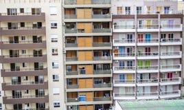 Costruzioni con le finestre variopinte Fotografia Stock Libera da Diritti
