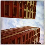 Costruzioni contro un cielo Fotografia Stock Libera da Diritti