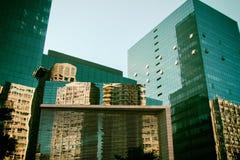 Costruzioni corporative e commerciali di architettura moderna Fotografia Stock Libera da Diritti