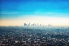 Costruzioni del grattacielo e periferia del centro di Los Angeles dal Gr Fotografia Stock Libera da Diritti