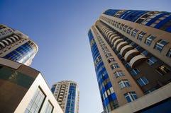 Costruzioni della palazzina di appartamenti Immagine Stock Libera da Diritti