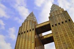 Costruzioni delle torri gemelle Fotografia Stock
