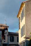 Costruzioni dentro la città medievale di Carcassonne Immagini Stock