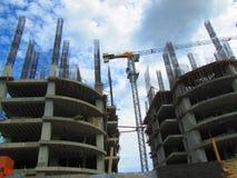 Costruzioni di appartamenti in costruzione Fotografia Stock Libera da Diritti