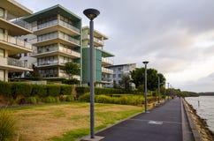 Costruzioni di appartamento della riva del fiume, Rodi, Sydney, Australia Immagine Stock Libera da Diritti
