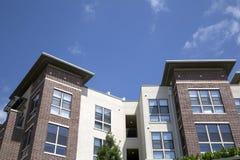 Costruzioni di appartamento moderne piacevoli Fotografia Stock