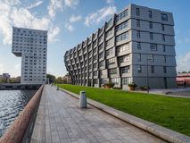 Costruzioni di appartamento nel centro urbano moderno di Almere, il Ne Fotografie Stock
