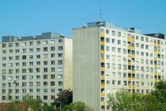Costruzioni di appartamento nella città Immagini Stock