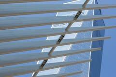 Costruzioni di vetro del Newyorkese di prospettiva della via Fotografia Stock