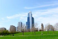 Costruzioni e parco in Chicago del centro Fotografia Stock Libera da Diritti