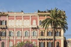 Costruzioni fini via di Roma sul lungonmare a Cagliari, Sardegna, Italia immagine stock