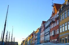 Costruzioni lungo il canale di Nyhavn Immagine Stock