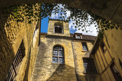 Costruzioni medievali in Sarlat-La-Caneda; La Dordogna; La Francia Immagini Stock Libere da Diritti