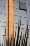 Costruzioni moderne 0 di riflessioni Immagine Stock