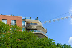 Costruzioni moderne del condominio ed i grattacieli alti di affari Fotografia Stock Libera da Diritti