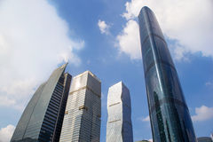 Costruzioni moderne dentro in città Fotografie Stock Libere da Diritti