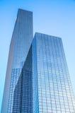 Costruzioni moderne di architettura moderna del primo piano del centro di affari Immagine Stock Libera da Diritti