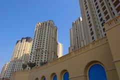 Costruzioni moderne in Doubai fotografia stock