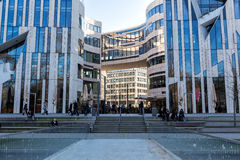 Costruzioni moderne a Dusseldorf, Germania Dettagli di architettura di Immagini Stock