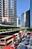 Costruzioni moderne e traffico nel centro di Hong Kong Fotografie Stock Libere da Diritti