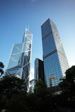 2 costruzioni moderne gemellate in Hong Kong Immagine Stock