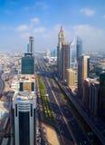 Costruzioni moderne nel Dubai, locat del deserto di architettura dei grattacieli Fotografia Stock