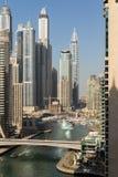 Costruzioni moderne nel Dubai, locat del deserto di architettura dei grattacieli Fotografie Stock