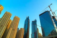 Costruzioni moderne nel Dubai, locat del deserto di architettura dei grattacieli Fotografia Stock Libera da Diritti