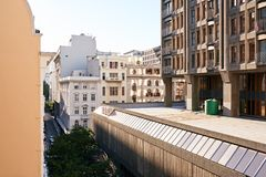 Costruzioni nel distretto commerciale di una città Fotografia Stock