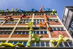Costruzioni nel porto Dusseldorf di media immagine stock