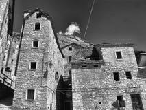 Costruzioni nella città di Casso Fotografia Stock