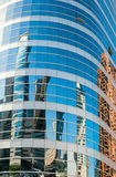 Costruzioni riflesse in glassed in Immagini Stock